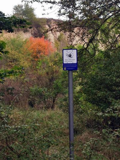 Beschilderung von Natura 2000-Gebieten im Landkreis Mansfeld-Südharz wird angebracht ©Landkreis Mansfeld-Südharz/David Paul