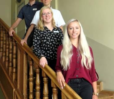 Vier junge Leute starten in der Kreisverwaltung ihre Ausbildung