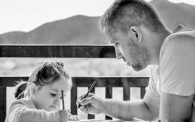 Vater mit Kind. ©Pixabay/D. Dimitrova