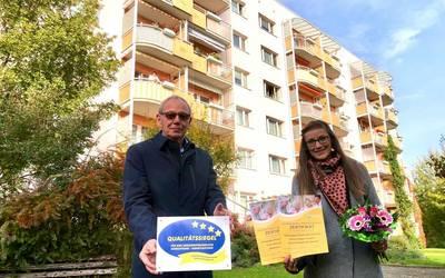 Kreisseniorerat zeichnet Wohnungsbaugesellschaft in Hettstedt aus