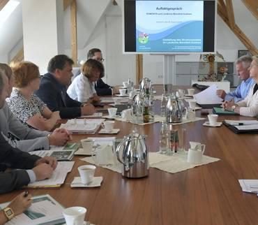 Strukturwandel: Landrätin besucht die Romonta AG