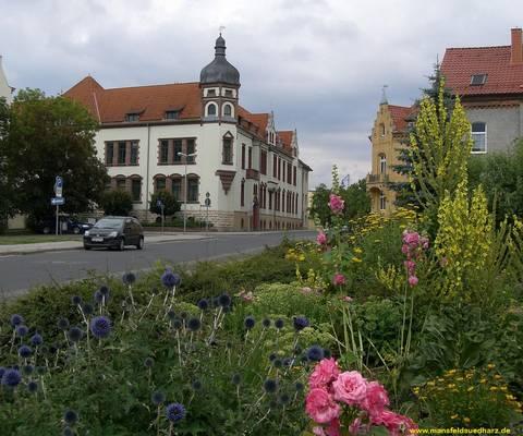 Das Hauptgebäude der Kreisverwaltung in Sangerhausen.